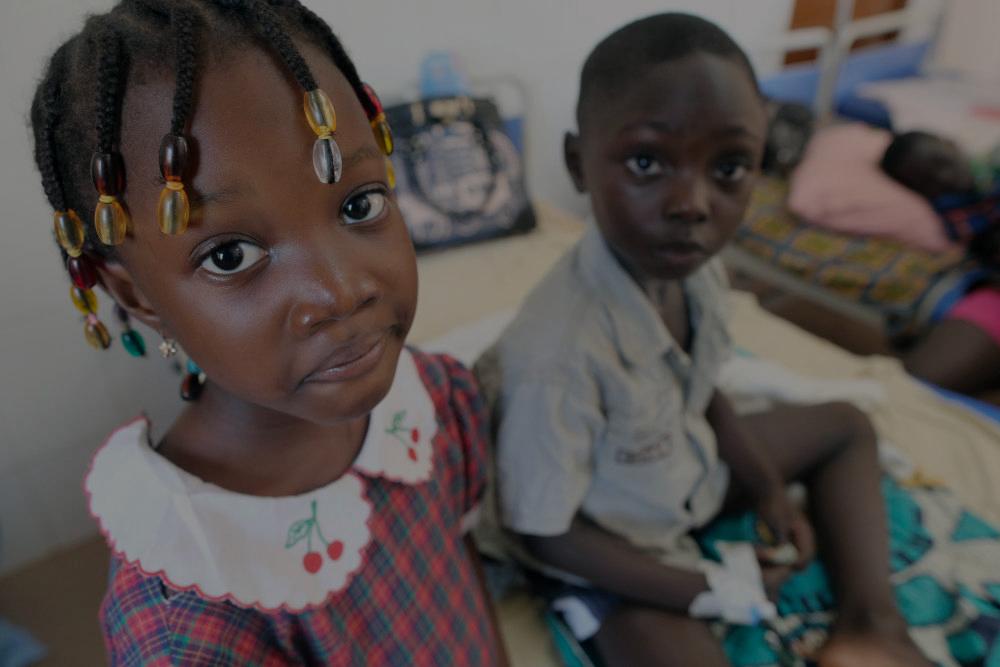 La brûlure caustique de l'œsophage : un terrible drame pour les enfants d'Afrique